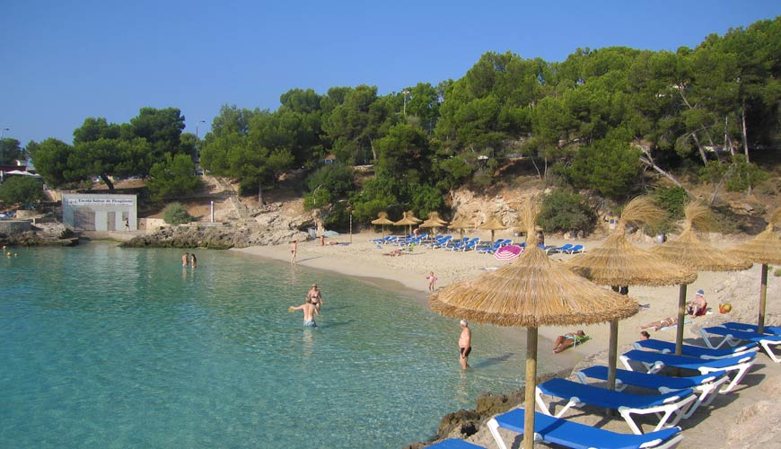 A view of Cala Comtessa Beach in Illetas