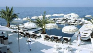 A view of the beautiful and stylish pool area of Purobeach